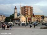 La place Skanderbeg à Tirana