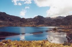 Lacs en miroir, dans le parc national de Cajas
