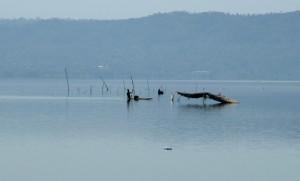 Sur le lac Bosomtwi