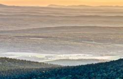 Val Racine et le parc national du Mont-Mégantic à l'aube